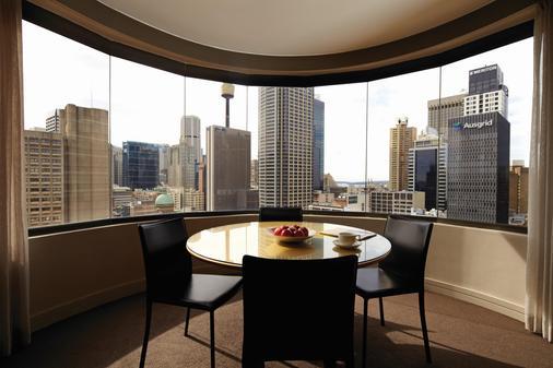 Adina Apartment Hotel Sydney Town Hall - Sydney - Parveke