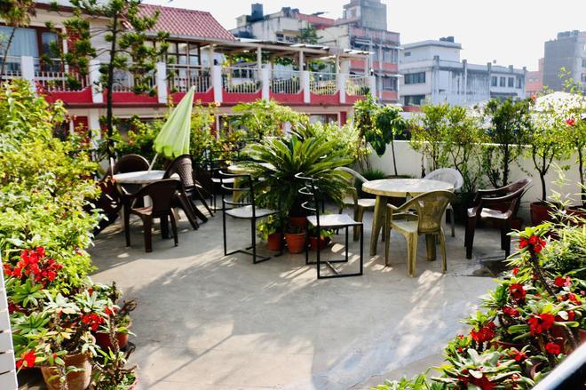 Holy Lodge - Kathmandu - Patio