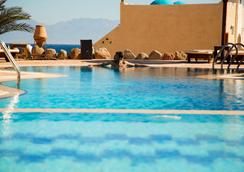 Bedouin Moon Hotel - Дахаб - Бассейн