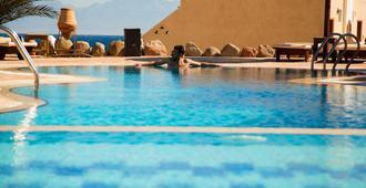 Bedouin Moon Hotel - Dahab - Piscina