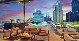 The Statler Dallas, Curio Collection by Hilton - Dallas - Piscina