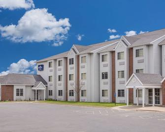 Microtel Inn & Suites by Wyndham Appleton - Appleton - Building