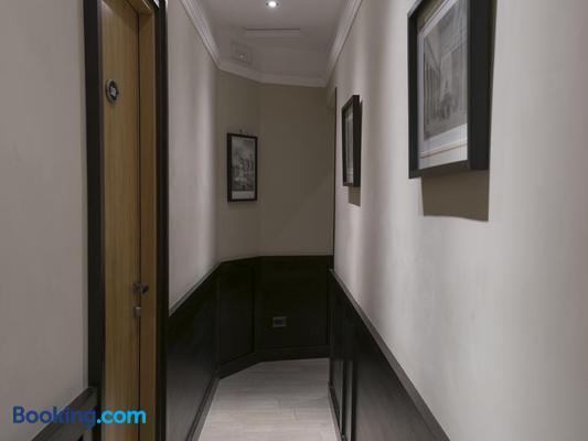 Dk Suites - Rome - Hallway