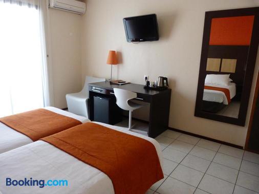 Central Hotel Cayenne - Cayenne - Bedroom