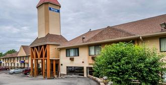 Rodeway Inn & Suites WI Madison-Northeast - מדיסון