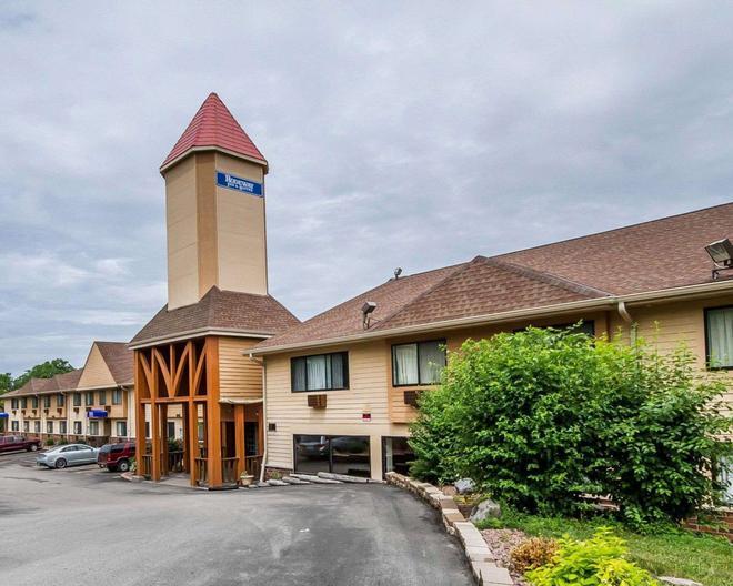 WI 麥迪森東北羅德威套房酒店 - 麥迪遜 - 麥迪遜(威斯康星州) - 建築