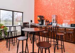 Americas Best Value Inn Gonzales - Gonzales - Εστιατόριο