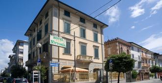 Hotel Vittoria - Viareggio - Building
