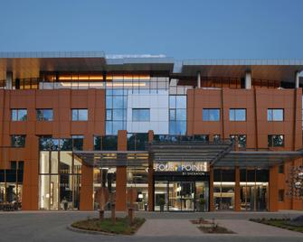 Four Points by Sheraton Kecskemet Hotel and Conference Center - Кечкемет - Building