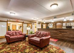 Econo Lodge Mayo Clinic Area - Rochester - Lobby