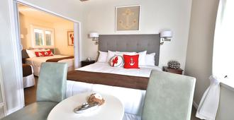 Pleasant Inn - Morro Bay - Κρεβατοκάμαρα