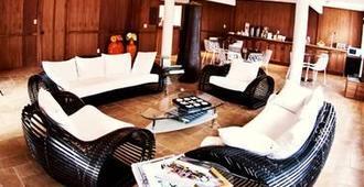 Hummingbird Inn - Ojai - Lobby