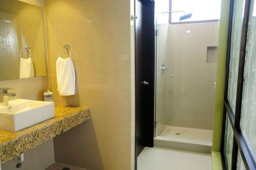 Best Western Plus Panama Zen Hotel - Panama City - Bathroom