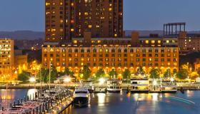 Royal Sonesta Harbor Court Baltimore - Baltimore - Building