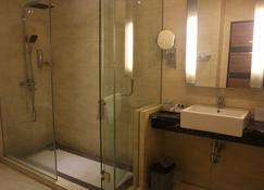 Hotel Melawai 2 - South Jakarta - Bathroom