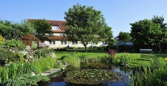 Gasthaus Zum Rethberg - Lübstorf - Outdoors view