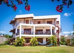 Hotel E Pousada Cumbuco Guesthouse - Cumbuco - Rakennus