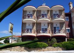 Giorgio Apartments - Kallithea - Edificio