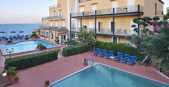 Parco Aurora Terme - Ischia - Bể bơi