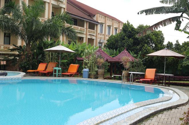 Zamzam Hotel and Convention - Malang - Pool