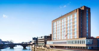 Park Inn York - York - Edificio