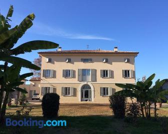 Villa Pacchioni - San Prospero - Building