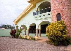 Jayliz Lodge-Tema - Tema - Κτίριο