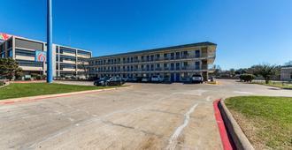 Motel 6 Dallas - Garland - Garland - Building