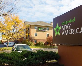 Extended Stay America - Long Island - Bethpage - Hicksville - Gebouw
