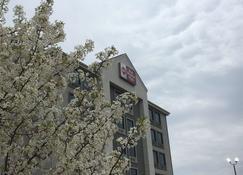美洲最優價值酒店 - 斯巴達堡 - 斯帕坦堡 - 建築