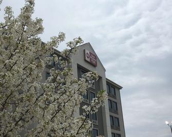 Best Western Plus Spartanburg - Spartanburg - Building