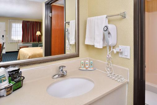 Quality Inn - Van Horn - Bathroom