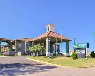 Quality Inn - Van Horn - Edificio
