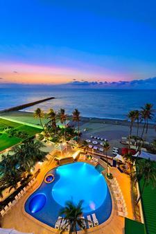 卡塔赫納大恩酒店 - 喀他基那 - 卡塔赫納 - 游泳池
