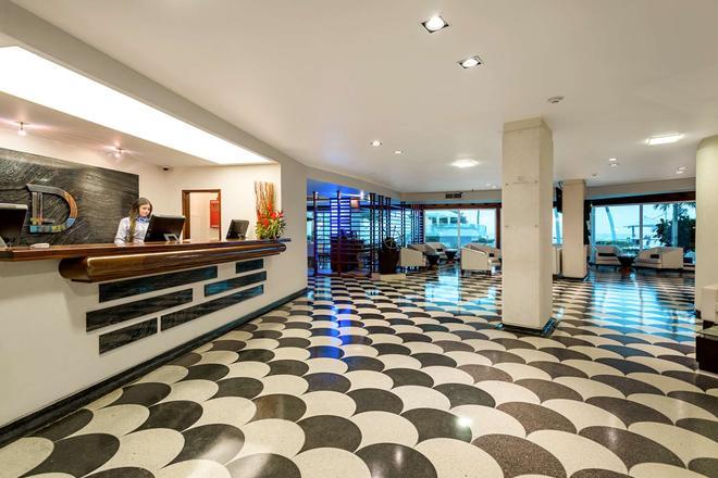 Hotel Dann Cartagena - Cartagena - Front desk