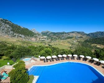 Hotel Fuerte Grazalema - Грасалема - Pool