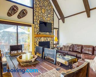 Pine Cone Cottage - Incline Village - Living room