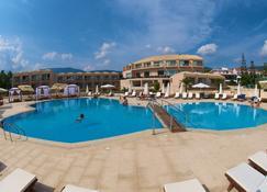 Ionian Emerald Resort - Сами - Бассейн