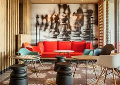 ibis Sens - Sens - Sala de estar
