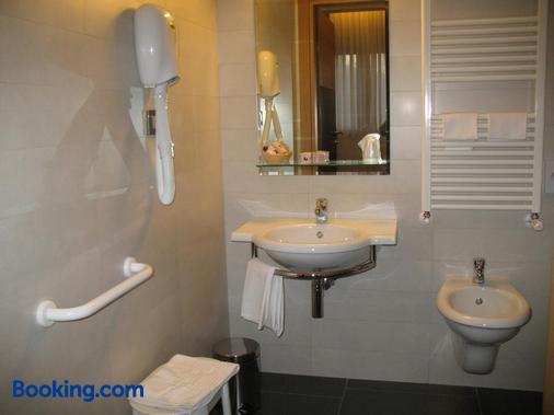 維托里亞酒店 - 聖喬瓦尼洛唐多 - 聖喬瓦尼·羅通多 - 浴室
