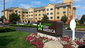 Extended Stay America - New York City - Laguardia Airport - Queens - Bâtiment