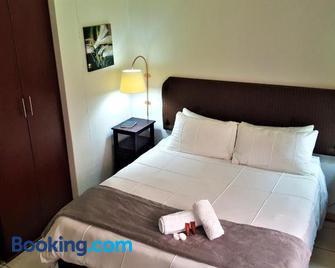 Premiere Guest House - Bloemfontein - Bedroom