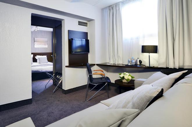 Hotel Kyriad Marseille Centre - Paradis - Prefecture - Marseille - Living room