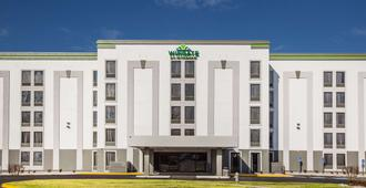 Wingate by Wyndham Louisville Fair and Expo - Louisville - Building
