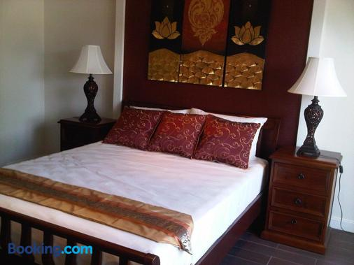 喬木提恩海灘頂屋酒店 - 芭達亞 - 臥室
