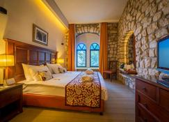Ruth Safed Hotel - Zefat - Bedroom