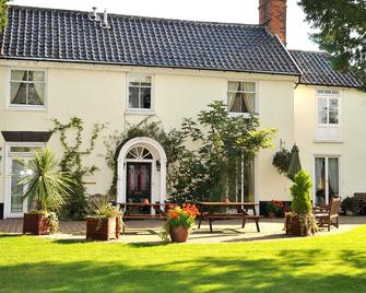 The Park Hotel - Diss - Building