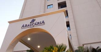 Araucaria Plaza - ריבראו פרטו