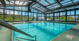 The Breakers Hotel & Suites - Rehoboth Beach - Pool