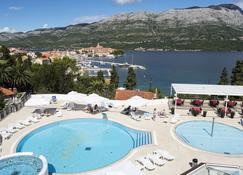 Korcula Hotel Marko Polo - คอร์คูลา - สระว่ายน้ำ